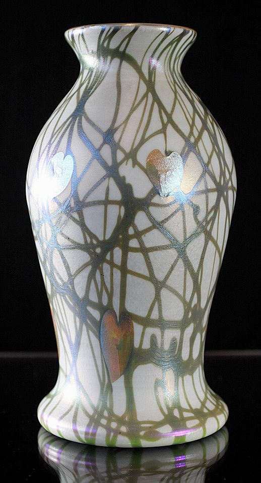 Quezal Hearts and Vine Pattern Vase
