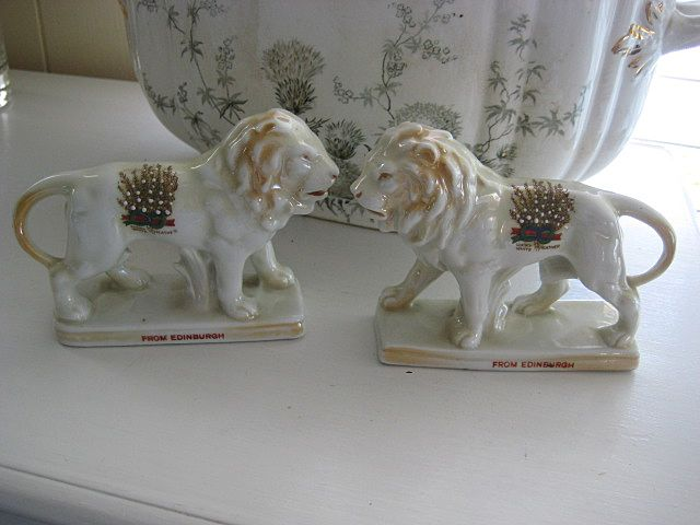 Victorian Pearlware Lions (PAIR) from Edinburgh, Scotland