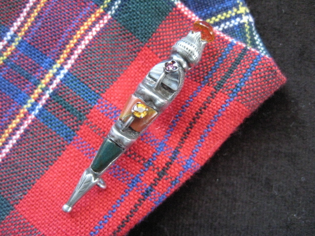 "Scottish Victorian ""Dirk"" Brooch w/Agate and Jasper"