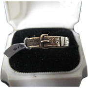 Victorian (c1866) Hair Mourning Ring w/Buckle, 9ct Gold Size 8.5
