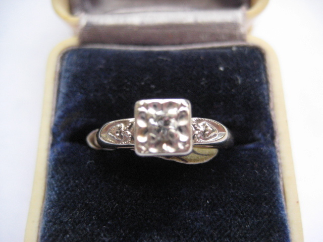 Vintage 14K Solitaire Diamond Engagement ring, Size 6.5