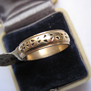 Vintage 14K Pierced Gold Wedding Band, Size 7