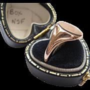 Beautiful English Rose Gold signet Ring, Size 8.5