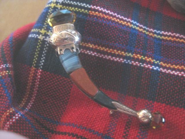 Beautiful 9ct Rose Gold Scottish Thistle Pin