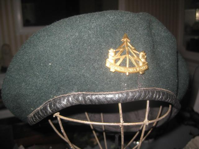 Vintage Dark Green Army Beret with Badge RECONNAISSANCE CORP