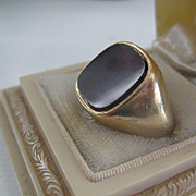 Heavy Vintage Man's Ring 9ct Gold/Carnelian Size 10.5  AS IS