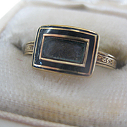 Pretty Gold Georgian Mourning Hair ring  Size 8.5  AS IS