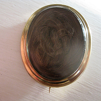 Large Victorian Gold Mourning Brooch w/Reverse Compartment