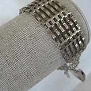 """Vintage 3/4"""" Wide Silver Gate Bracelet w/""""Sunburst"""" Heart"""
