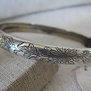 Vintage English Silver Bangle, Hinged w/Engraved Floral Pattern