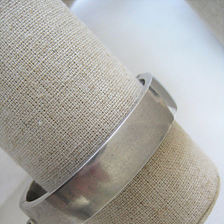 Vintage Sterling Plain 1/2 Wide Bangle w/Safety chain