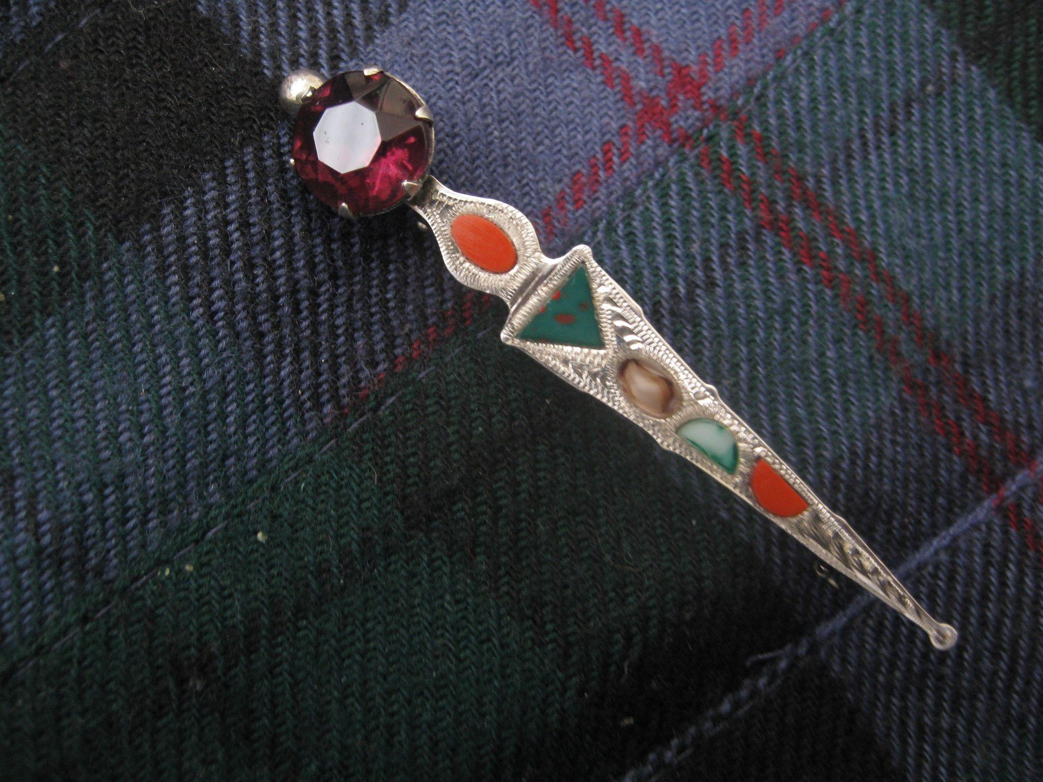 Beautiful Engraved Vintage Silver Scottish Kilt Pin
