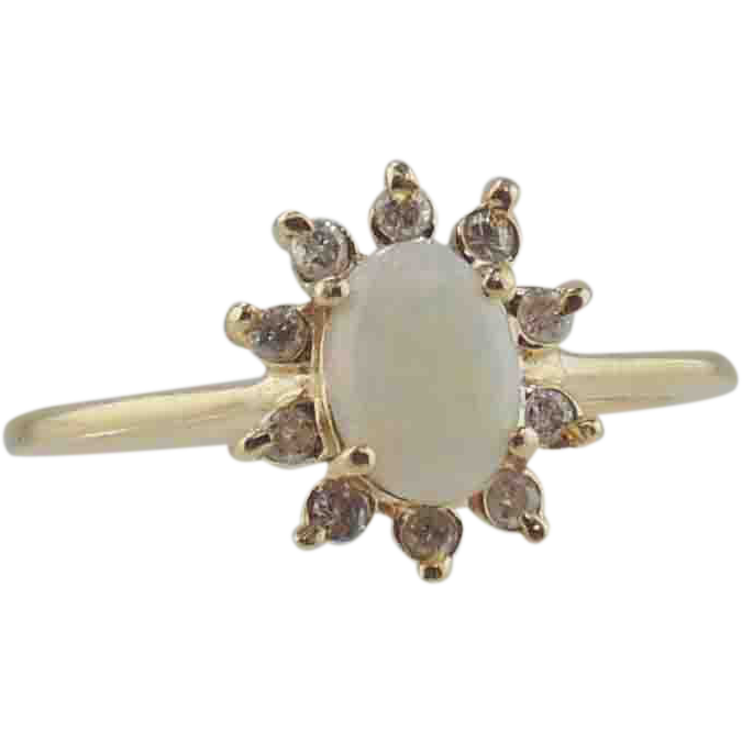 Opal & Diamond Ring 14kt Yellow Gold