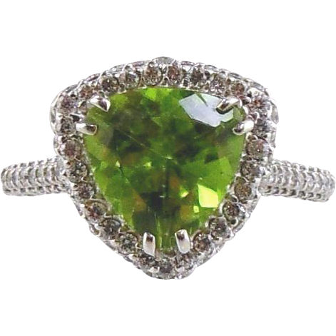 18kt White Gold Ring Peridot & Diamonds