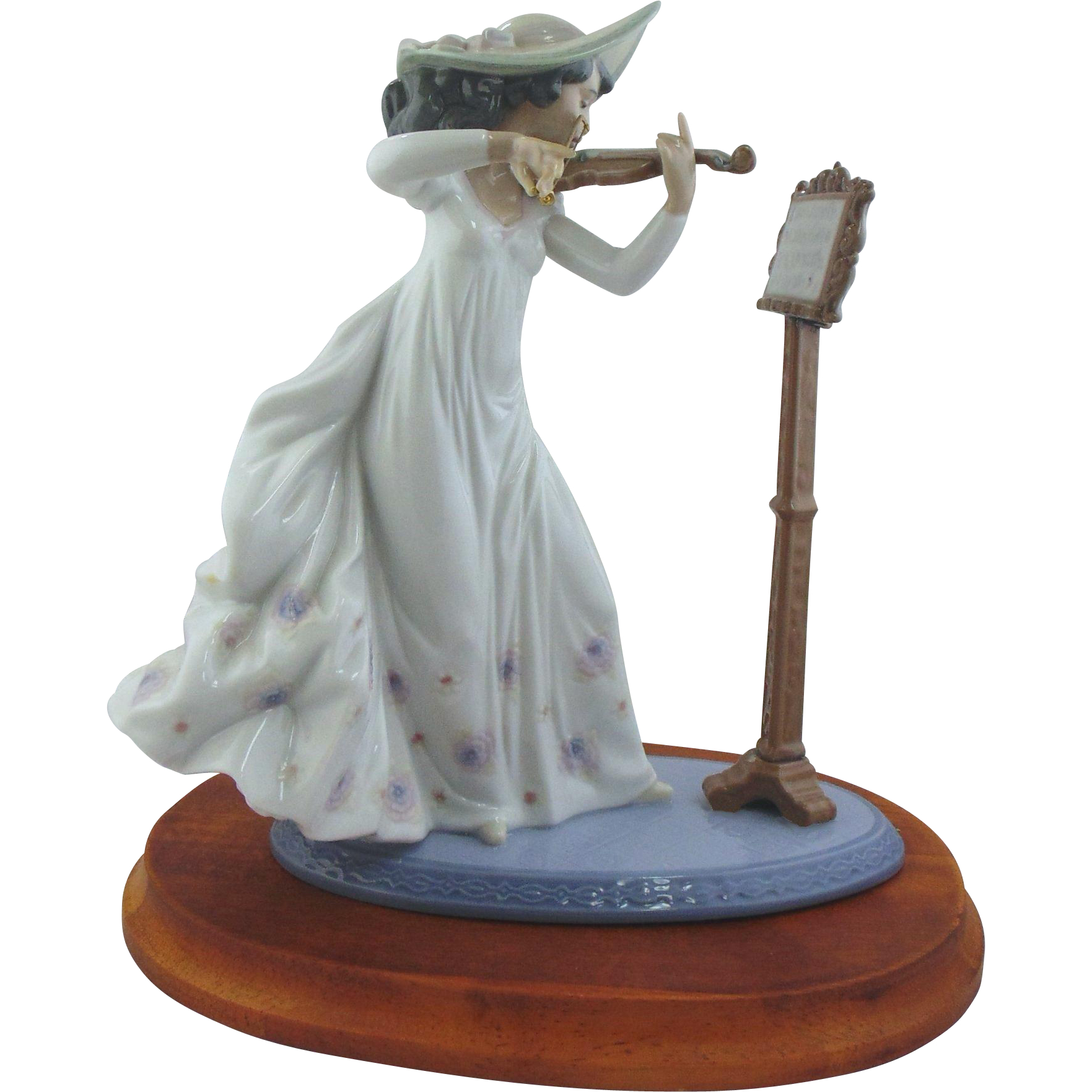 Lladro Figurine, Sweet Symphony #6243