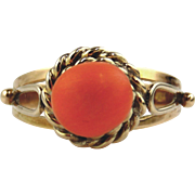 Coral 14kt Yellow Gold Ring size 6 1/2