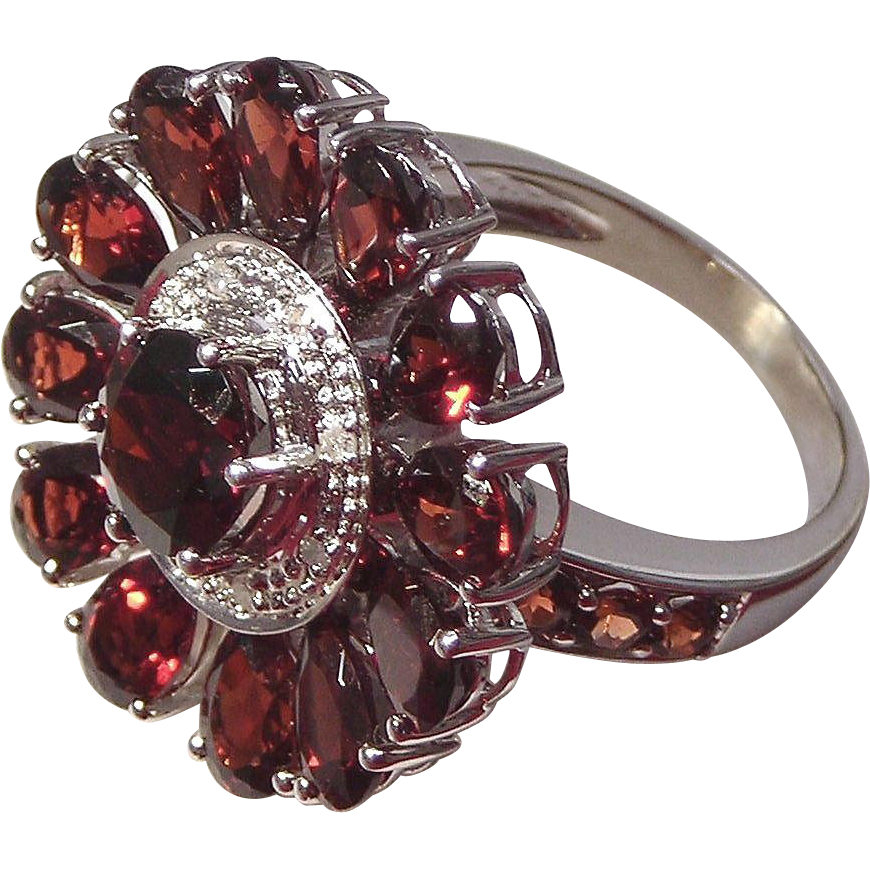 Garnet & Diamond Ring 10kt White Gold , Size 6 3/4