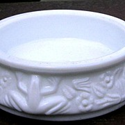White Milk Glass Frog Open Salt or Nut Dish