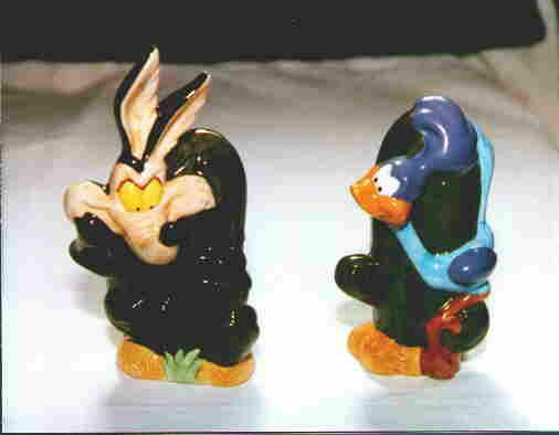 Warn Bros Roadrunner Wylie Coyote Salt & Pepper Shakers 1993 NEW in Box