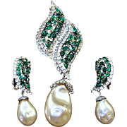ALICE CAVINESS Emerald and Diamante Rhinestones Large Baroque Pearl Pendant Pin and Clip Earrings Set