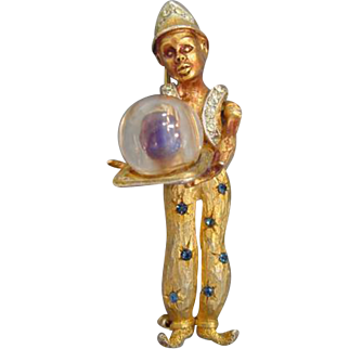 HAR Standing Genie/Fortune Teller w/Lucite 'Crystal Ball' Pin