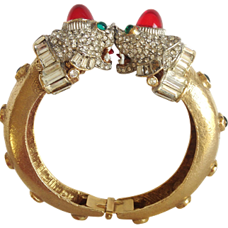 K.J.L. KENNETH J. LANE Rare 1960's Bejeweled and Enameled Foo Dogs Bangle Bracelet