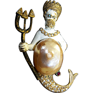 K.J.L. KENNETH J. LANE 1960's Ultra Rare, Large Enamel Neptune/Poseidon Pin with Imitation Pearl Shield