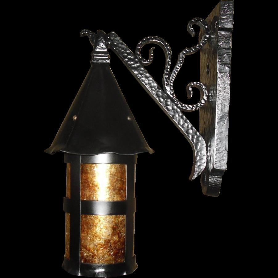 Merveilleux Tudor Iron With Mica Porch Light Fixture