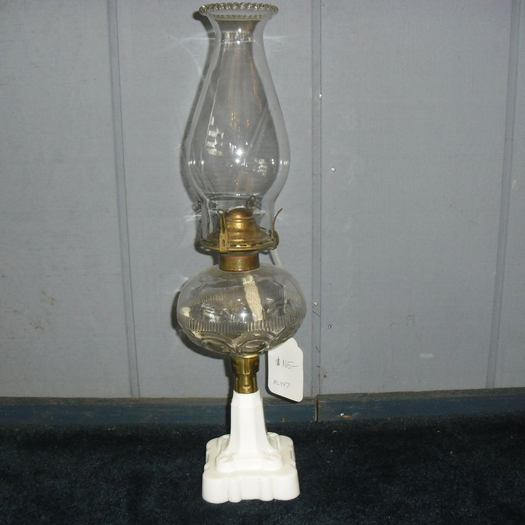 Hobbs Loop & Rib Band Kerosene Oil Lamp - Complete