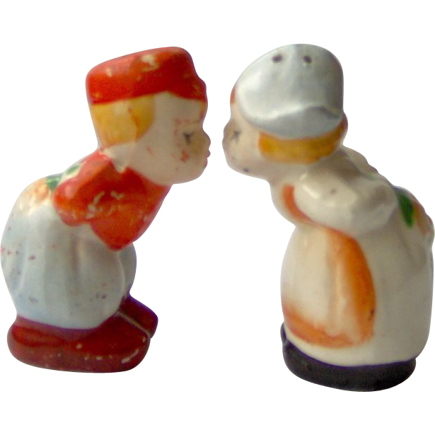 Kissing Dutch Boy & Girl - Salt and Pepper Shakers