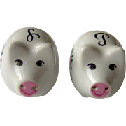 Pretty little pigs salt and pepper shakers