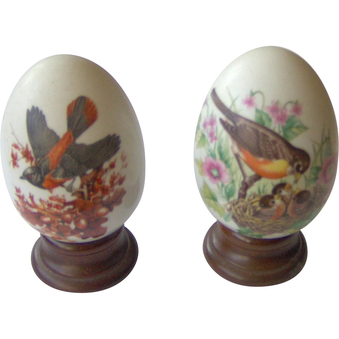 Vintage Pair of Avon Seasonal Eggs with Birds