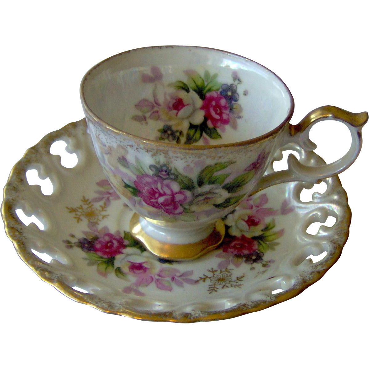 Floral cup and saucer with Reticulated saucer