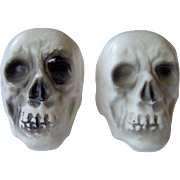 Skull shaped Salt and Pepper Shakers