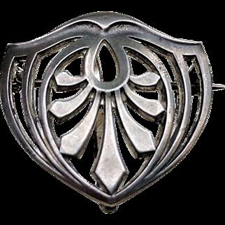 JUGENDSTIL Arts & Crafts Sterling Silver Watch Holder Pin
