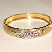Exquisite Estate, Gorgeous Vintage Gold and Diamond Bracelet in 14K Yellow.
