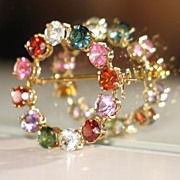 Colorful Vintage Brooch in 14K Yellow Gold and Semi-precious Stones.