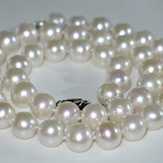 Saltwater Pearl Necklace, Gorgeous Vintage Saltwater Pearl Necklace 9mm.