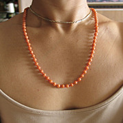 Beautiful  Vintage Natural Coral Necklace and 14k Yellow Gold.