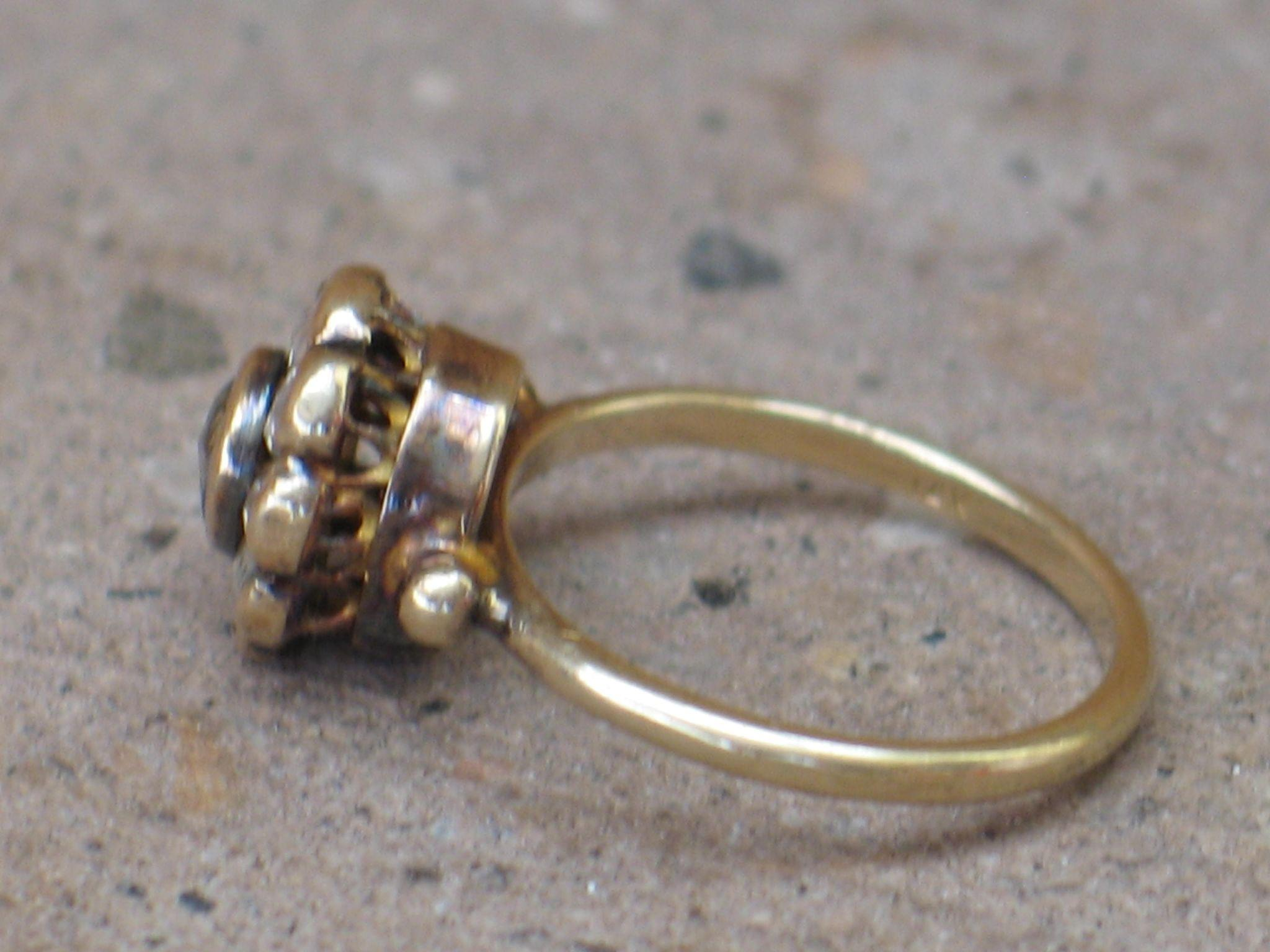 Antique Holland rose cut Diamond Ring Flower top 14ky gold from