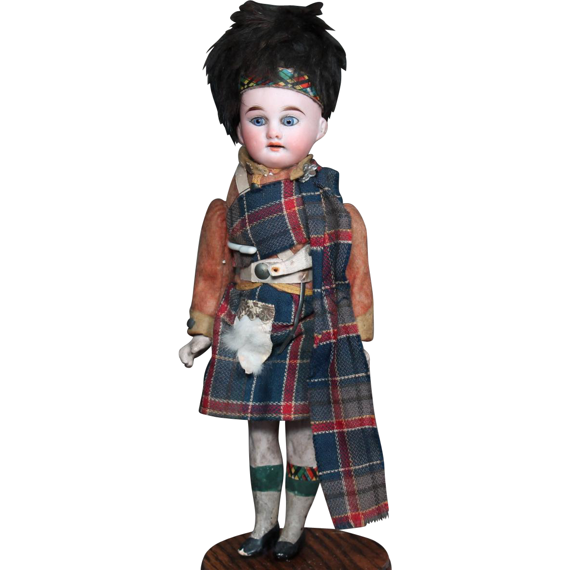 AM 1894 Doll as Scottish Guard, Original