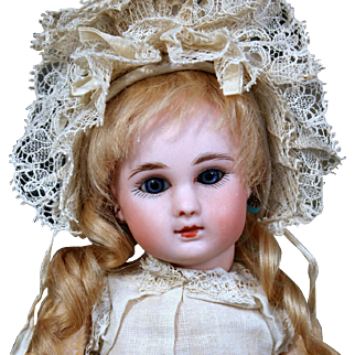 Tiny Steiner A Size 3 in Fabulous Antique Clothing