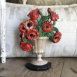 """Beautiful Old 1930's Hubley """"Poppies"""" #440 Flower Bouquet Doorstop"""