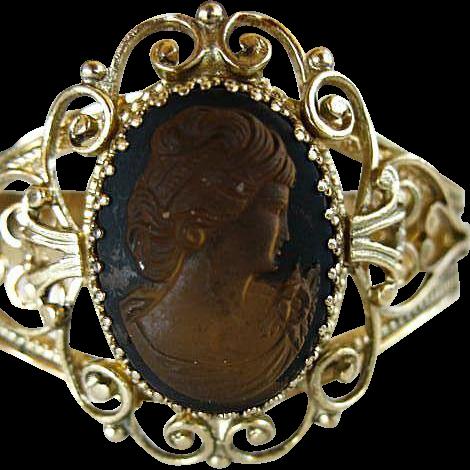 Whiting & Davis Co Mesh Bags Golden Cameo Hinged Bracelet