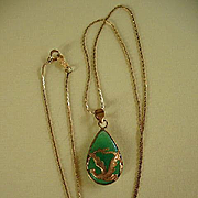 Vintage Jadeite  &  Gold Pendant Necklace