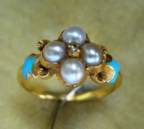 A Victorian 18ct Gold, Seed Pearl & Diamond Ring. Circa 1845.