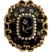 An Early Victorian Mourning Brooch. Circa 1840.
