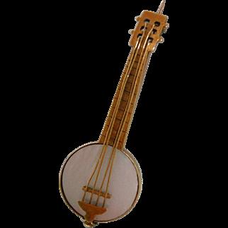 A Victorian 15ct Gold Novelty Banjo Brooch. Circa 1895.