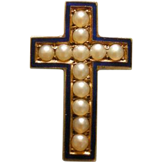 A Victorian 15ct Gold and Seed Pearl Cross Brooch. Circa 1890.