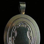A Victorian Silver-Gilt Mourning Locket. Circa 1865.